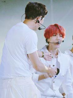 (@bestofchanbaek) | Twitter Baekyeol, Chanbaek, Sehun, I Adore You, Cute Memes, My Images, Kpop, Anime, Ships