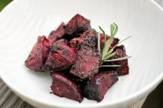 Roasted Beets Recipes plus lots of great paleo thanksgiving ideas! #paleo #thanksgiving