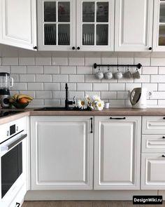 Grey Kitchen Designs, Kitchen Room Design, Kitchen Cabinet Colors, Home Decor Kitchen, Kitchen Interior, Home Interior Design, Home Kitchens, White Kitchen Appliances, Scandinavian Kitchen