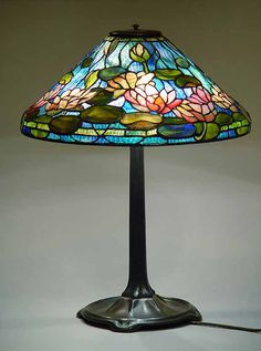 "20"" Water Lily Tiffany Lamp & Stick Base"