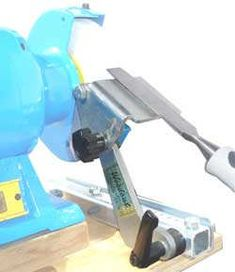 View Different Sharpening Jig Concepts - International Association of Penturners Tools And Toys, Diy Tools, Hand Tools, Grinder Stand, Bench Grinder, Woodworking Machinery, Woodworking Jigs, Metal Lathe Projects, Sharpening Tools