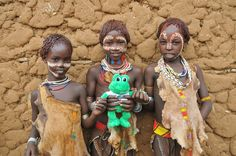Ethiopia Tribe Girl | Everyone loves Polly - including these Hamer girls!