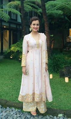 Take Style Cues From Dia Mirza When You Go for a Wedding