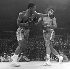 """Ali may have been the """"Greatest"""" but """"Smokin"""" Joe Frazier had the best left hook of all time..."""
