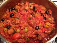 blanquette de veau, oignon, courgette, aubergine, poivron, tomate pelée, ail, chorizo, olive noire, épice
