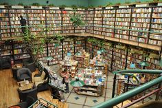 Cafebrería El Péndulo in Mexico City, Mexico | 17 Bookstores That Will Literally Change Your Life @Krystal Procell bucket list??????