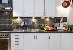 Muy muy económica, diferentes materiales para esta cocina y moderna!!