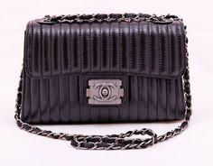 Сумка Chanel кожаная. Новая модель средних размеров. Размер 25x15x12cm #19587