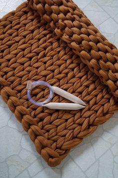 "DIY Knit Kit for Chunky knit blanket 28 x 52 inches (72 cm x 130 cm). Giant knitting needles 40 mm/1.6"". Super bulky merino yarn. Australian merino wool."