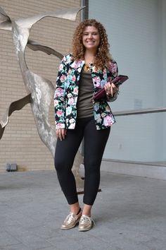 FASHIONISTA SPOTLIGHT: Cassie Covage  LOVE her jacket/blazer