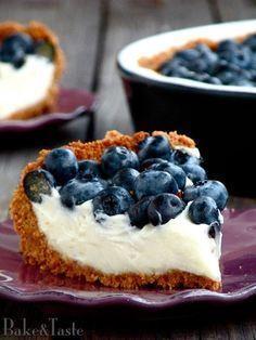 Bake&Taste: Tarta z białą czekoladą i borówkami My Favorite Food, Favorite Recipes, Delicious Desserts, Yummy Food, Sweet Tarts, Cookie Desserts, Food Cakes, Crepes, No Bake Cake