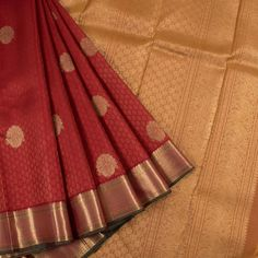 Handloom Maroon Pure Zari Jacquard Kanjivaram Silk Saree With Floral Motifs & Hamsa Pallu 10016558 - AVISHYA.COM