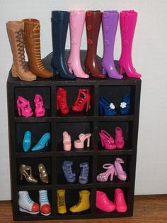 a random display of some of the doll shoes i own. Barbie Dolls Diy, Barbie Shoes, Doll Clothes Barbie, Doll Shoes, Barbie Dress, Diy Doll, Ag Dolls, Girl Dolls, Disney Princess Dress Up
