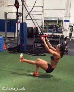 """6,619 curtidas, 219 comentários - Alexia Clark (@alexia_clark) no Instagram: """"⚡️ Suspension Shredder Workout⚡️ 5 ROUNDS 1: 60 seconds 2: 15 each arm 3: 15 each leg 4: 15…"""""""