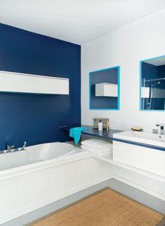 8- salle de bains bleue avec détails turquoise
