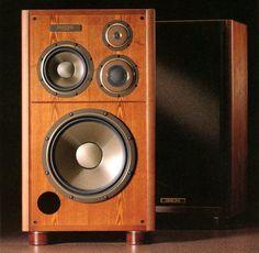 DIATONE DS V9000 Adityawarman Thaib Vintage Speakers