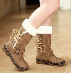 Want to get some good snow boots like this soon for when it gets super cold Ugg boots give them to me now and I mean now because if my friends saw me wearing them they would freak out. Good Snow Boots, Snow Boots Women, Cute Boots, Winter Snow Boots, Winter Shoes, Warm Boots, Autumn Boots, Boot Over The Knee, Riding Boots
