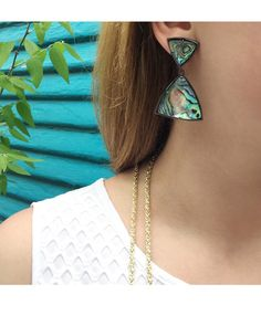 Maury Statement Earrings in Abalone Shell - Kendra Scott Jewelry. Kendra Scott Jewelry, Abalone Shell, Bling Bling, Statement Earrings, Fashion Shoes, Arrow Necklace, Winter Fashion, Shells, Jewelry Accessories