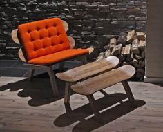 Una silla de patín diseñado en Escandinavia, en madera natural con cojín naranja... A skateboard chair designed in Scandinavia, in natural wood with orange cushion... #sackites #skateboard #mobiliario #bonitomobiliario #quechullo #monopatín #sackites #diseno #madera #maderanatural #diseño #nordico #escandinavia #decoracion #decoration #scandinavian #design #gorgeousfurniture #wood #naturalwood
