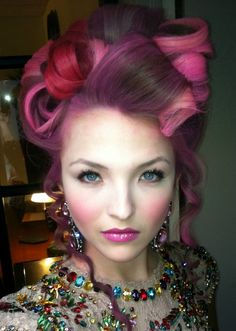 It would be so fun to dress and do hair and make up like this! #hunger games style!