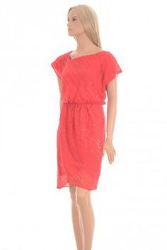 Vince Camuto kjole.  Dressy.no