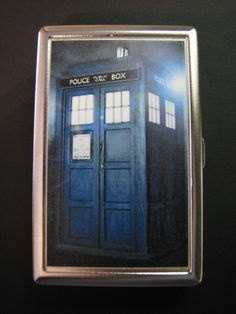 Tardis Cigarette Case/Wallet - What a clever wallet/business card holder! Definitely want.