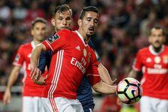 O Benfica venceu o Belenenses por 4-0, esta segunda-feira à noite, em jogo da 25.ª jornada da Liga, no Estádio da Luz.