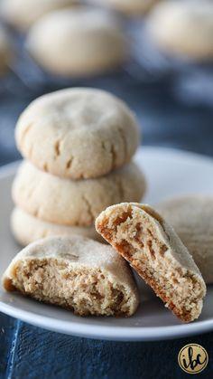 Peanut Butter Lover's Peanut Butter Cookies - peanut butter cookies stuffed with more peanut butter. #FallCookieWeek #peanutbutter #cookie #ultimate #fall #dessert