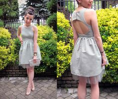 adorable dress with cut out back, with tutorial