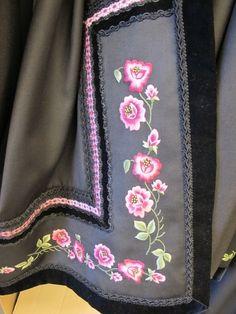 Seljord-borda-i-rosa-farger_galleryfull.jpg (480×640)