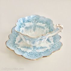 Antiques Atlas ( Wileman demitasse teacup trio Ferns on Empire 1893 Tea Cup Set, My Cup Of Tea, Tea Cup Saucer, Antique Tea Cups, Vintage Cups, China Tea Cups, Teapots And Cups, China Patterns, Drinking Tea
