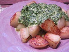 Low Carb Rezepte von Happy Carb: Bratkohlrabi mit Spinat-Käsecreme - Ratzfatz-Küche mit raffiniertem Käsearoma. Wer braucht da noch den Blubb?