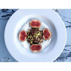 Homemade Nutty Granola w/ Greek Yoghurt, Figs and Crushed Pistachios :   Want to make your own Granola? Check out this recipe online now at www.weeatwhat.com along with loads more breakfast, lunch and dinner recipes!!   Health and wellbeing is key!