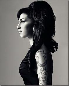Amy Winehouse © Bryan Adams. Bryan Adams es un músico, cantante y compositor y fotógrafo canadiense (nació el 5 de Noviembre de 1959 en Kingston, Ontario).