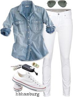Camisa denim azul, calças justas brancas, All Star brancos, óculos escuros e, claro, as chaves do carro. Love it!