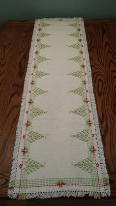Swedish Weaving Holiday Table Runner by Cynthia Ann Stacy Cross Stitch Embroidery, Embroidery Patterns, Hand Embroidery, Cross Stitches, Loom Patterns, Free Swedish Weaving Patterns, Bordados Tambour, Huck Towels, Swedish Embroidery