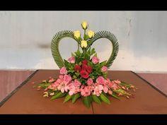 Cắm Hoa Để Bàn Đơn Giản - Hoa Trái Tim - YouTube Altar Decorations, Diy Wedding Decorations, Flower Decorations, Valentine's Day Flower Arrangements, Funeral Floral Arrangements, Flower Rangoli, Flower Video, Arte Floral, Silk Flowers