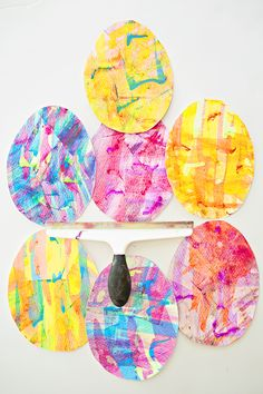 SQUEEGEE PAINT EASTER EGG ART