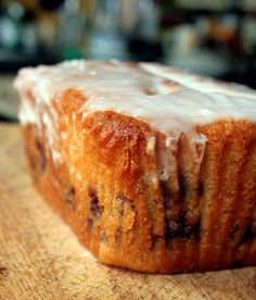 Blackberry and Lemon Curd Loaf- Making this ASAP Bbc Good Food Recipes, Yummy Food, Blackberry Dessert, Lemon Curd Cake, Yogurt Cake, Different Cakes, Loaf Cake, Food Test, Recipes From Heaven