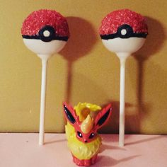 Pokemon Party: Pokeball cakepops