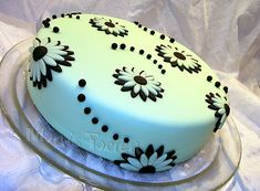 Simple cake for my first beginner class | Flickr - Photo Sharing!