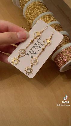 Wire Jewelry Designs, Handmade Wire Jewelry, Diy Crafts Jewelry, Bracelet Crafts, Jewelry Patterns, Resin Jewelry, Handmade Bracelets, Beaded Jewelry, Jewellery