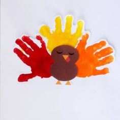 This Lil' Turkey Handprint Craft includes a Free Template and is perfect for making Thanksgiving memories with kids. Make this adorable artwork with your little one to keep them busy while your holiday meal bakes. It makes a really cute decoration! Toddler Arts And Crafts, Thanksgiving Crafts For Toddlers, Thanksgiving Crafts For Kids, Baby Crafts, Holiday Crafts, Baby Handprint Crafts, Family Thanksgiving, Thanksgiving Activities, Thanksgiving Appetizers