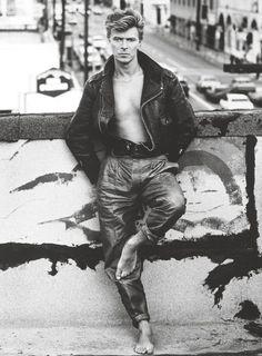 Herb Ritts, Portrait of David Bowie, Los Angeles, 1987 David Jones, The Thin White Duke, Black And White, Martin Schoeller, Herb Ritts, Major Tom, Richard Gere, Moda Vintage, Vintage Rock