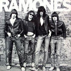 Capa do álbum de estréia da banda, lançado em 1976.