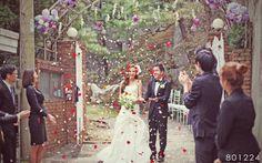 wedding idea. 에펠탑의 신랑,신부