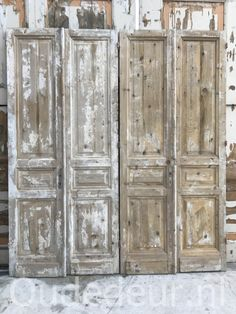 nr. set637 twee gelijke sets antieke deuren Doors, Doors Repurposed, Rustic Furniture, Farmhouse Living, Furniture, Barn Door, Hearth Room, Main Door, Romantic Homes