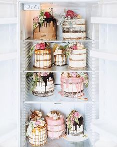 Obsessed with naked cakes flowers I need some sort of occasion to order these by marianna_hewitt Cupcakes, Cake Cookies, Cupcake Cakes, Cupcake Ideas, Pretty Cakes, Beautiful Cakes, Amazing Cakes, Beautiful Things, Slow Cooker Desserts