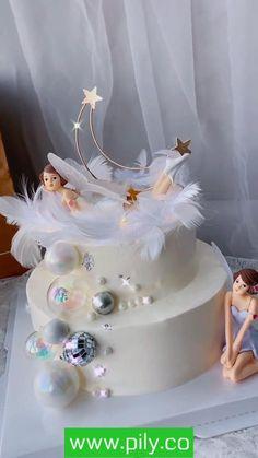 Cake Decorating Frosting, Cake Decorating Supplies, Cake Decorating Techniques, Fondant Flower Cupcakes, Cake Baking Supplies, Turntable Cake, Margarita Bebidas, Cake Designs For Girl, Lava Cake Recipes