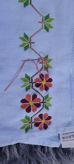 Crochet, Cross Stitch Embroidery, Easy Cross Stitch Patterns, Small Cross Stitch, Cross Stitch Rose, Quilts, Crocheting Patterns, Painting On Fabric, Crochet Lace Edging
